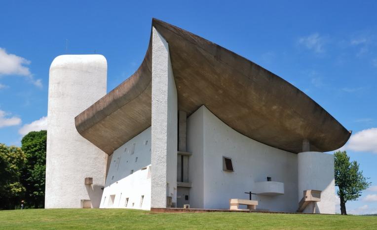 Image selbst fotografiert, via Wikipedia (https://de.wikipedia.org/wiki/Datei:Notre_Dame_du_Haut(ws).jpg)