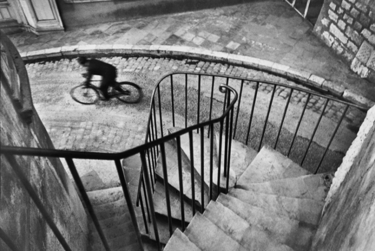 henri-cartier-bresson-bicycle